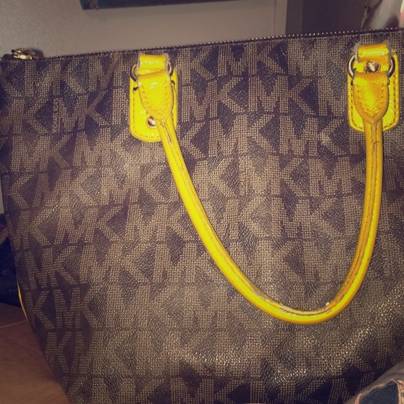 MICHAEL Michael Kors Handbags - Michael Kohl's brown med bag